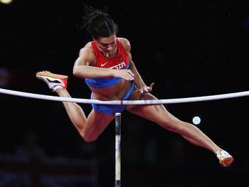 Елена Исинбаева не смогла взять высоту 4,80 м и стала третьей на Олимпиаде-2012 в Лондоне