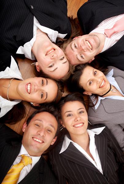 Часто временное перерастает в постоянное, и есть вероятность, что человек может «подружиться» с компанией и попасть в штат.