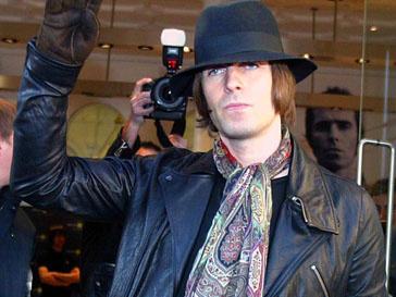 Лайам Галлахер (Liam Gallagher) попросил прощения у своих фанатов спустя два года