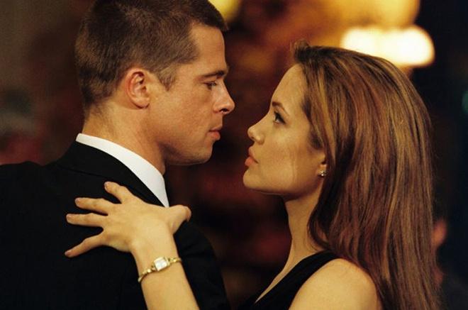 Анджелина Джоли и Брэд Питт разводятся. В чем причина?