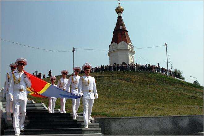 Церемония поднятия флага Красноярска