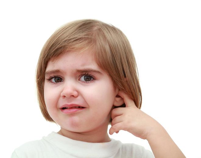 Ухо болит у ребенка 8 месяцев