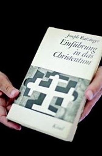 В 60-е годы на меня в духовном смысле сильно повлияла книга Йозефа Ратцингера, нынешнего папы Бенедикта XVI, «Христианская вера вчера и сегодня».