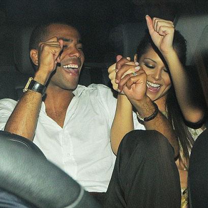 Шерил и Эшли продолжили праздник в машине