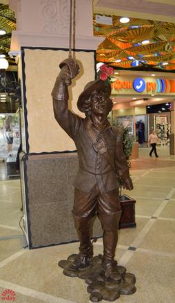 Памятник Д`Артаньяну в Екатеринбурге, фото