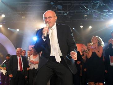 Фил Коллинз (Phil Collins) возвращается в хит-парад