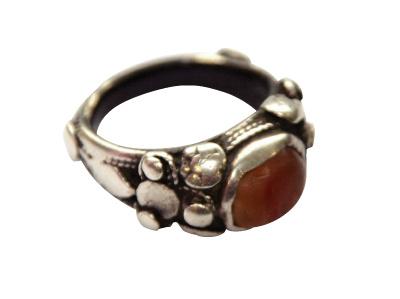 Перстень с камушком