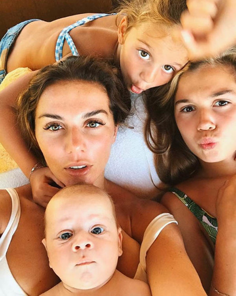 Анна Седокова с детьми
