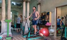 Как тренироваться дома во время карантина: советы профессиональных тренеров