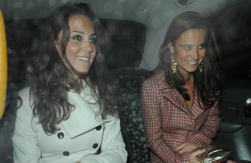 Сестры Кейт и Пиппа Миддлтон (Kate and Pippa Middleton) - частые гости светских раутов Лондона.