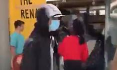 видео задом наперед мародеры возвращают вещи магазины