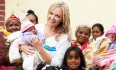 Эмма Бантон помогает детям Африки