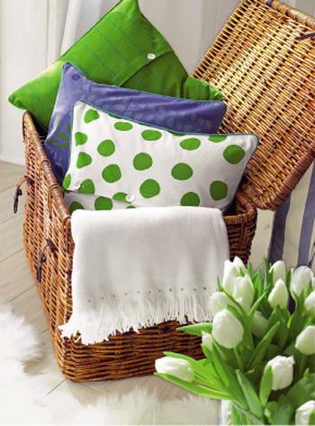 Сочетание голубого, белого, ярко-зеленого цветов с оттенком светлого дерева создает настроение весеннего пейзажа, наполненного свежестью и теплотой. Эта естественная гамма действует умиротворяюще
