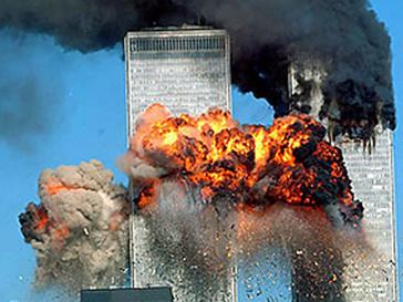Взрывы во Всемирном торговом центре потрясли Америку