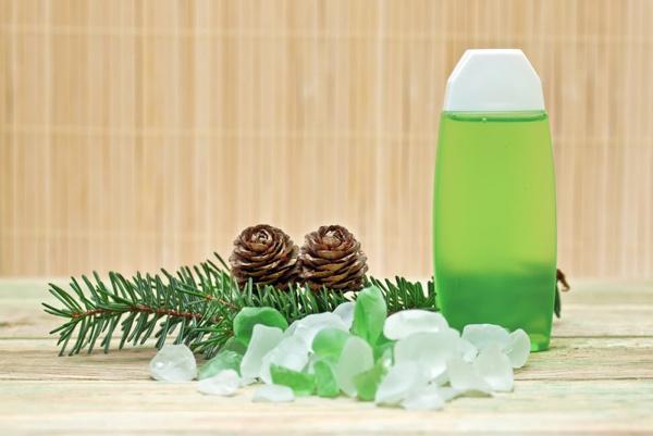 Приготовить хвойно-солевую ванну