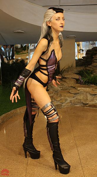 Наталья Дебелова в образе персонажа из игры Mortal Kombat 9, U:CON