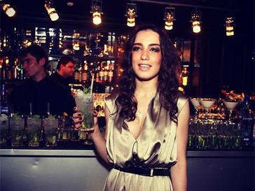 Виктория Дайнеко выступила против курения в общественных местах.