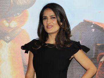 Сальма Хайек (Salma Hayek) привыкла ухаживать за своей кожей с ранних лет