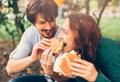Еда вместо любви: зачем (еще) мы едим