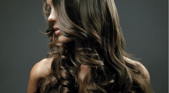 Новая лимитированная коллекция от Kérastase: масло Christmas Elixir Ultime для всех типов волос