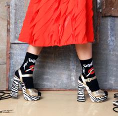 Как носить цветные носки осенью: советы дизайнеров