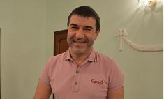Евгений Гришковец: на гастролях о семье напоминает… собака