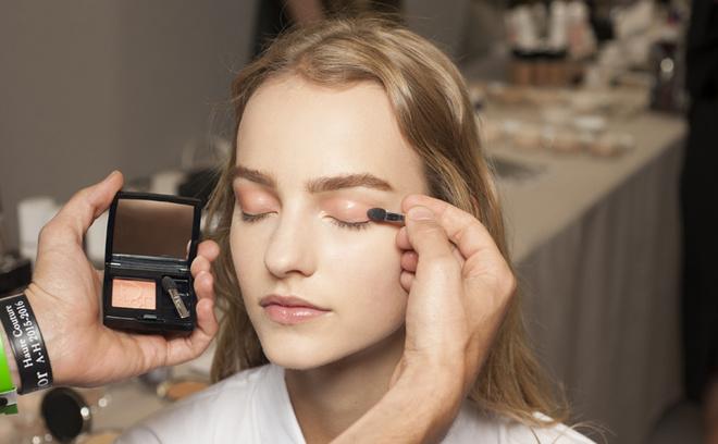 Dior Haute Couture осень-зима 2015/2016 макияж