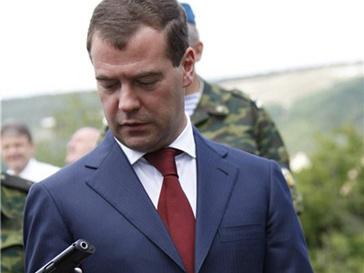 Дмитрий Медведев решил «тряхнуть всю транспортную милицию»