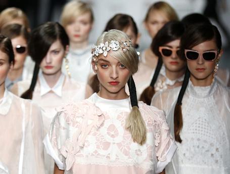 11 бьюти-трендов Недели моды в Лондоне ss 2015