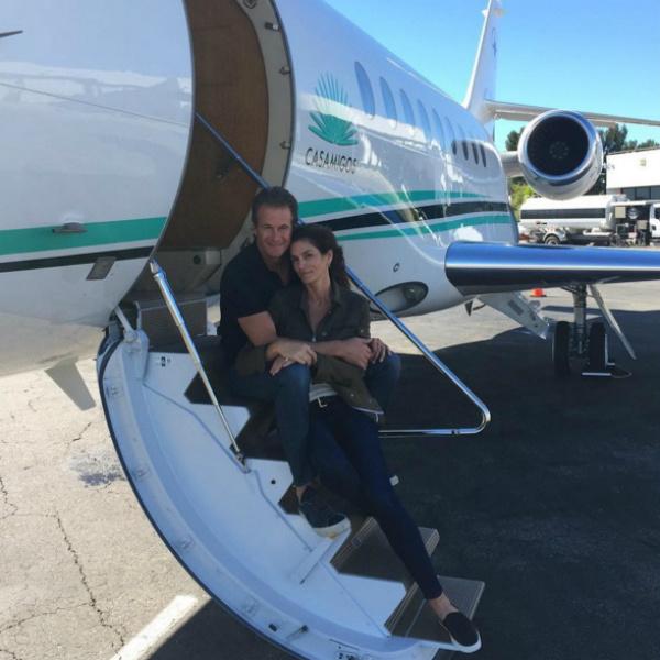 Синди Кроуфорд встречает 50-летие в бикини