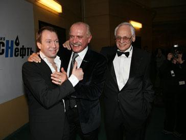 Никита Михалков в центре