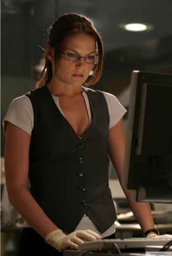 В знаменитом телесериале «Доктор Хаус» Дженнифер Моррисон играет роль ассистентки главного героя.