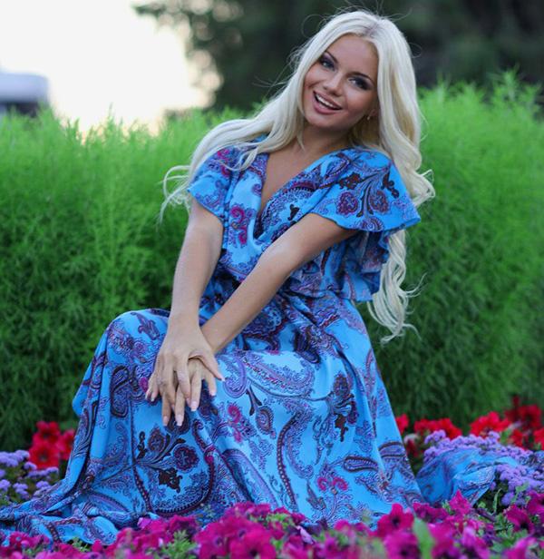голубое платье, Алена Вражевская