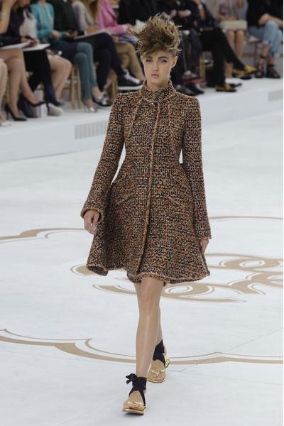 Показ Chanel на Неделе Высокой моды в Париже