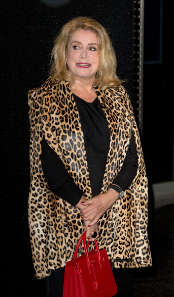 Катрин Денев на Неделе моды в Париже