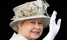 Елизавета II познакомилась с родителями Кейт Миддлтон