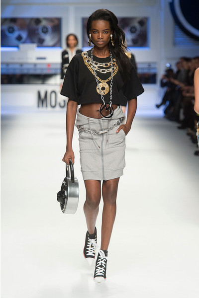 Показ Moschino на Неделе моды в Милане | галерея [4] фото [19]