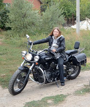 baykershi-lesbiyanki-onlayn-russkiy-student-lizhet-yaytsa-negru
