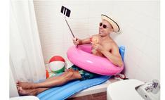 Что чувствуют россияне, когда смотрят чужие фото из отпуска: исследование