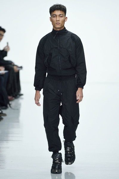 Неделя мужской моды в Лондоне: главные показы   галерея [2] фото [12]