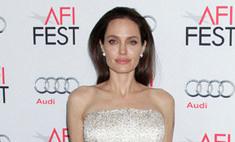 Джоли – невеста Франкенштейна, а Круз – враг мумии