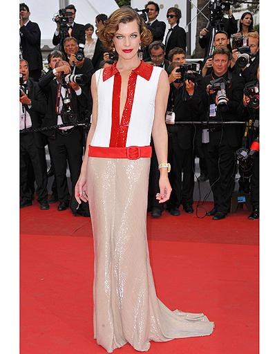 Мила Йовович в платье Prada