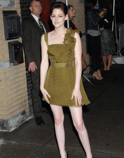 """Кристен Стюарт (Kristen Stewart) на премьере """"Сумерки. Сага. Новолуние"""" в Нью-Йорке, 2009 год"""