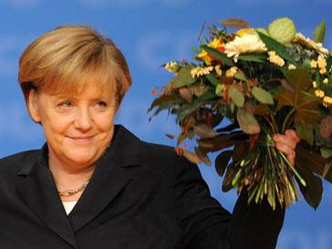 Ангела Меркель (Angela Merkel) принимала цветы и поздравления