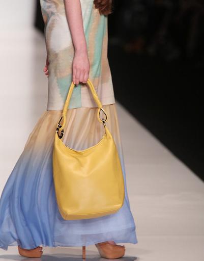 Коллекция Borodulin's весна-лето 2013. Сумка предоставлена маркой GingerQueen, а обувь – брендом Payless