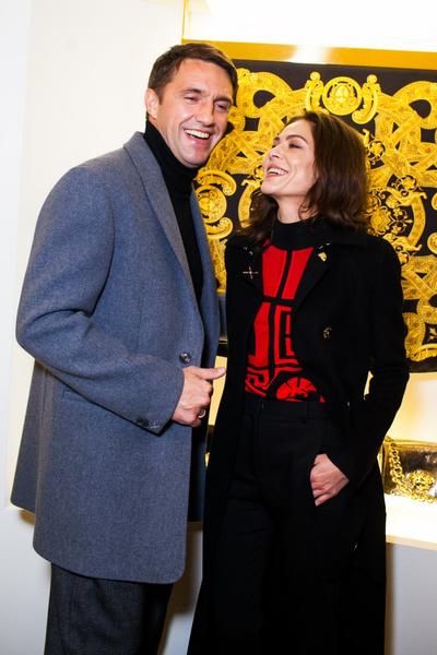Селебрити на презентации осенней коллекции Versace   галерея [1] фото [4]