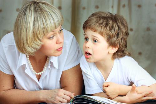 Выстраивая отношения со старшим поколением семьи, необходимо помнить, что родители ребенка – вы, а не бабушка и дедушка.