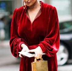 10 идеальных новогодних платьев для полных девушек