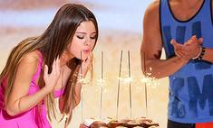 Селена Гомес отметила день рождения на Teen Choice Awards