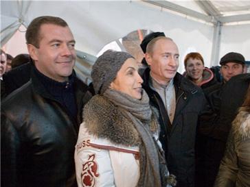 В Москве больше любят Дмитрия Медведева, чем Владимира Путина
